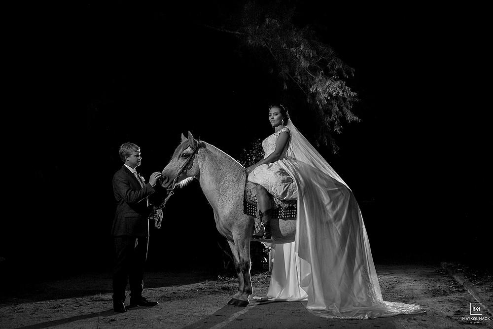noiva com cavalo