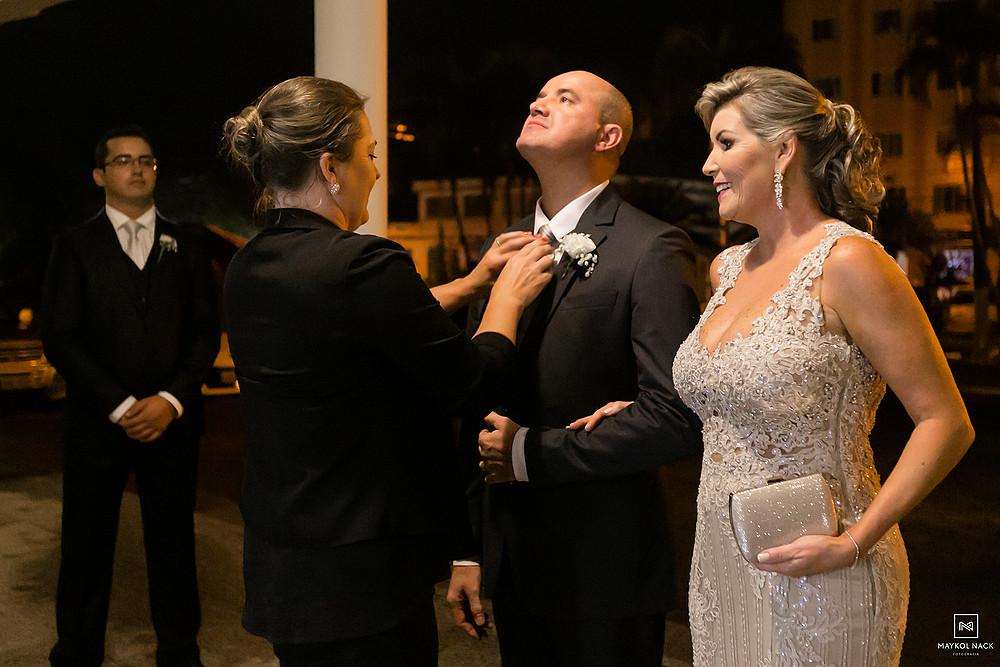 pais da noiva com o noivo