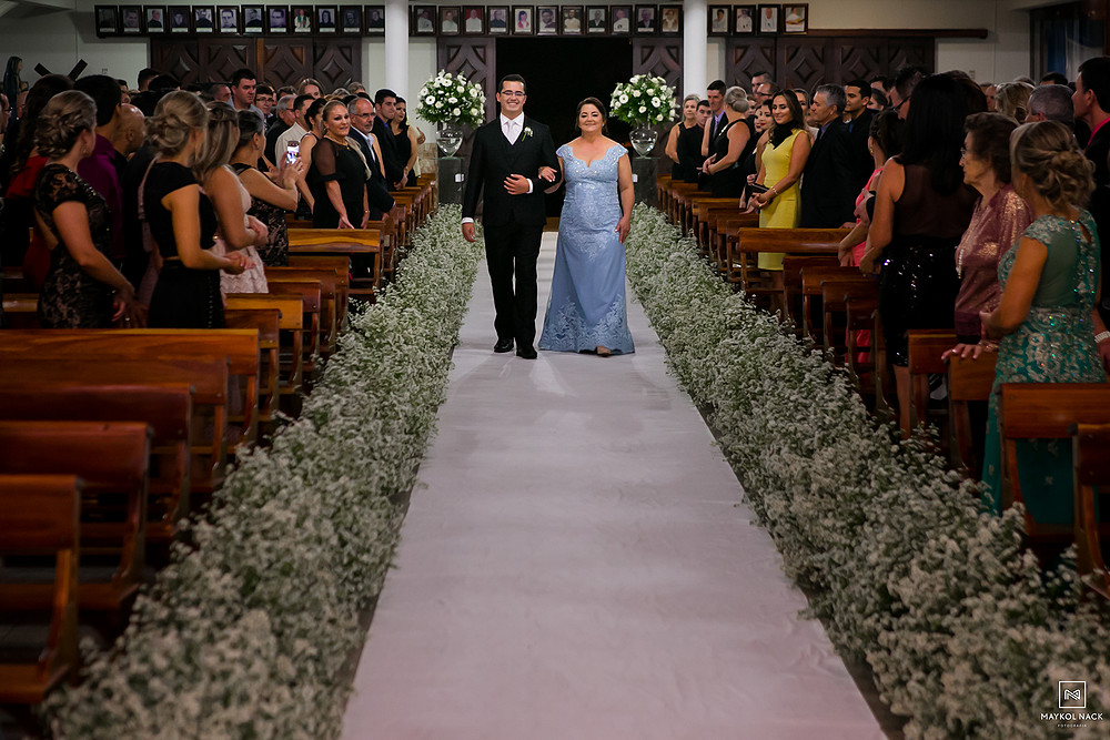 entrada do noivo em casamento