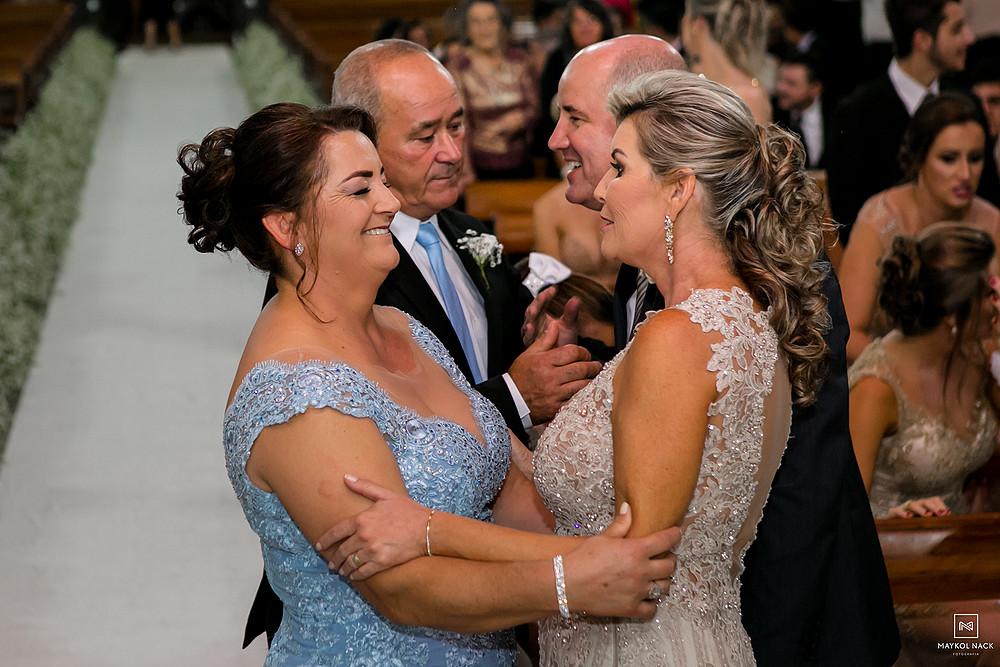 pais dos noivos em armazém