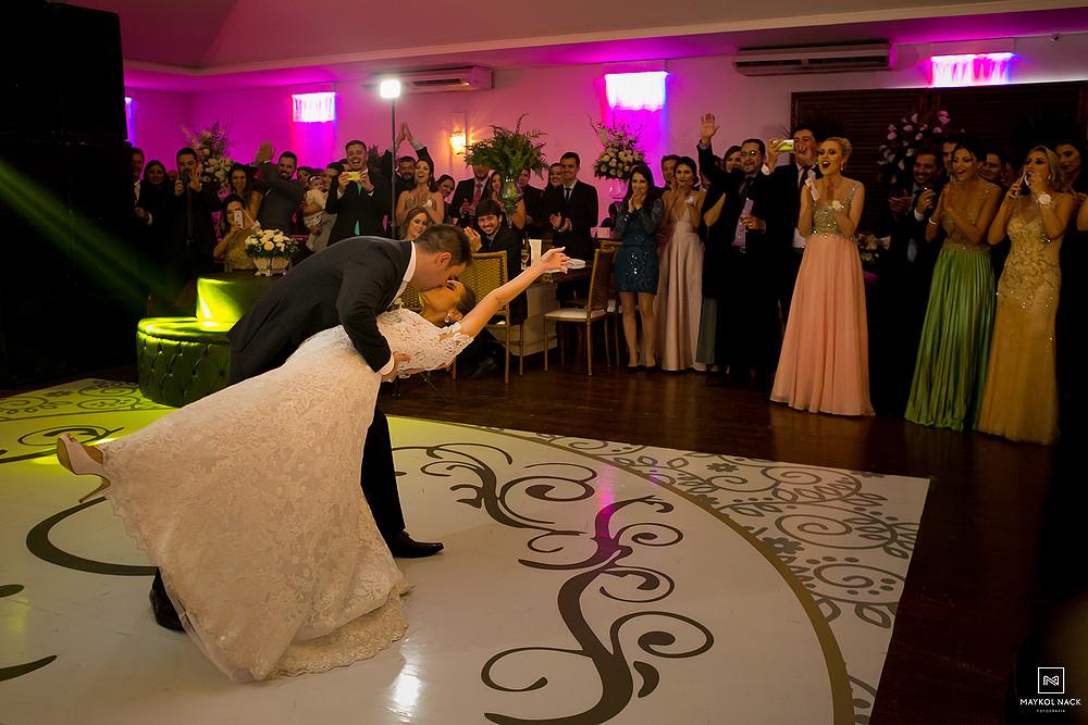 dança dos noivos tubarão