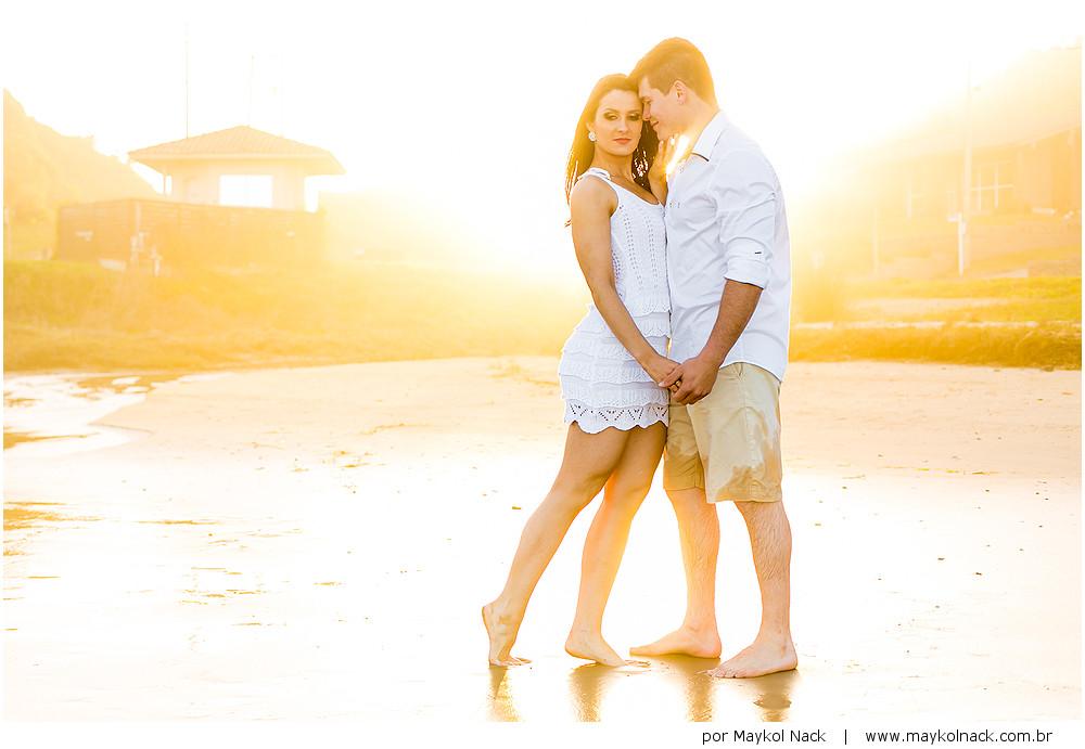 sessão de casal na praia