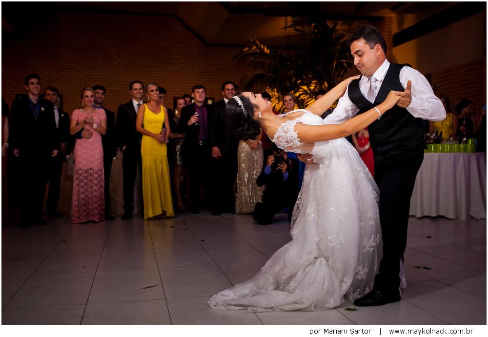 dança dos noivos sao ludgero