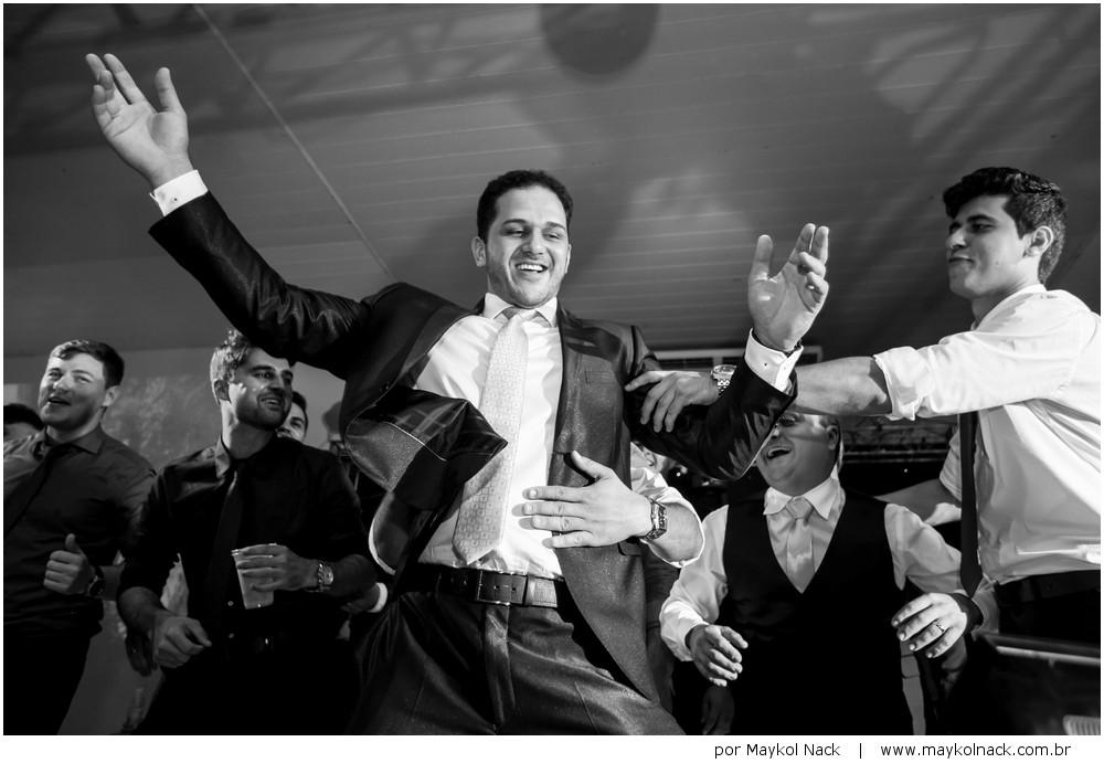 dançando no palco