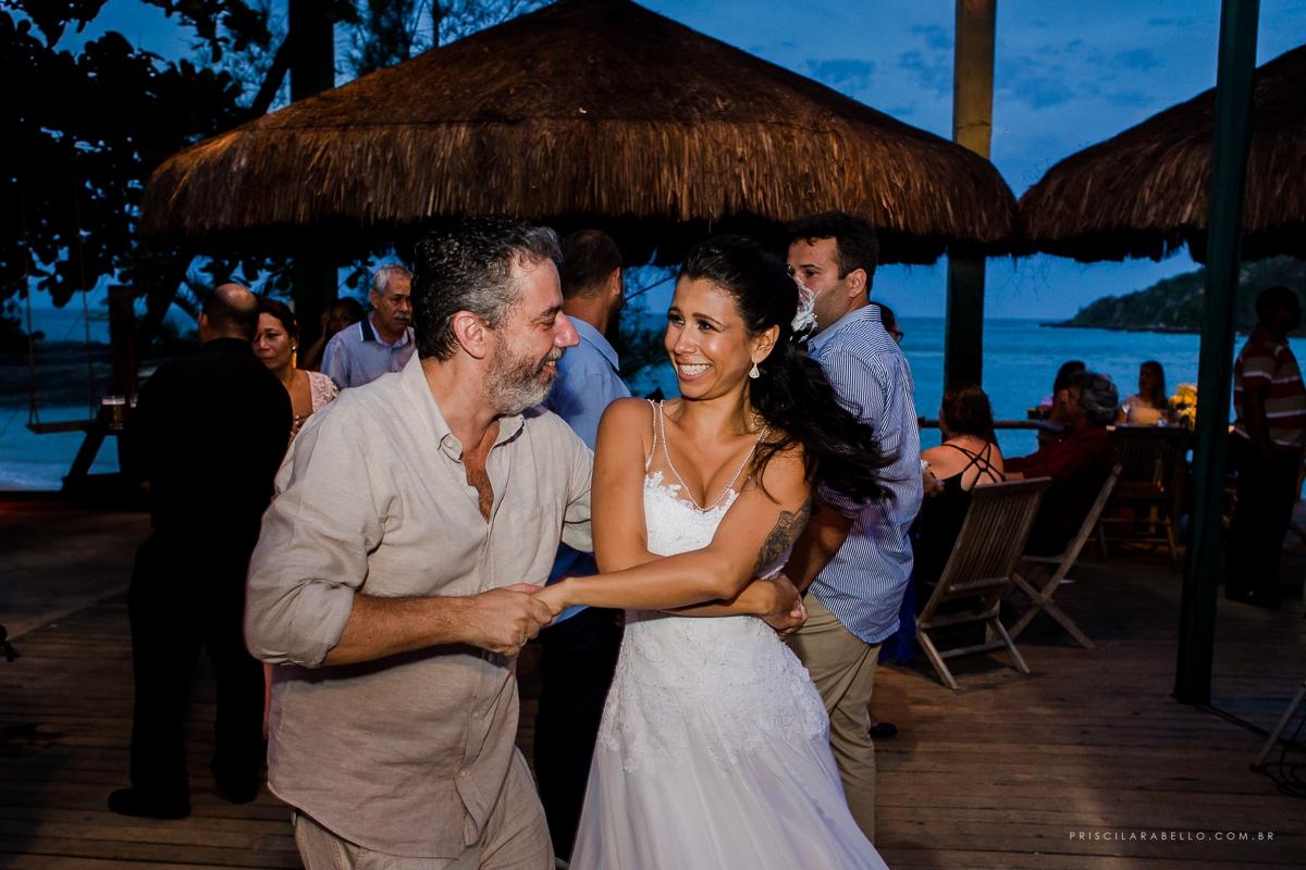 Foto por Priscila Rabello, em casamento de dia em Búzios, casamento na praia, pousada da tartaruga, rj