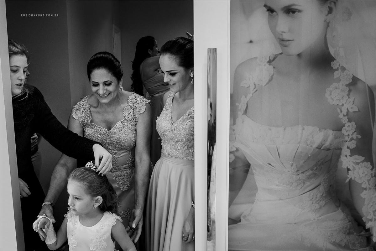 aia e madrinha no making of da noiva