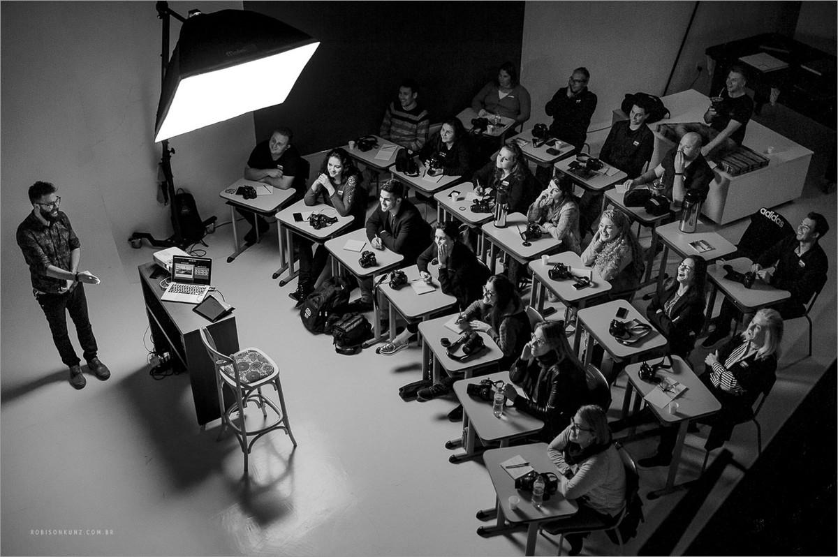 aula de fotografia no estudio robison kunz