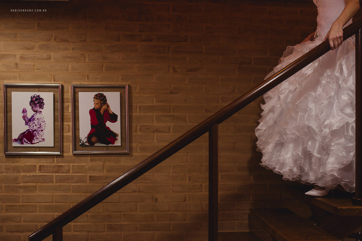 noiva descendo a escada