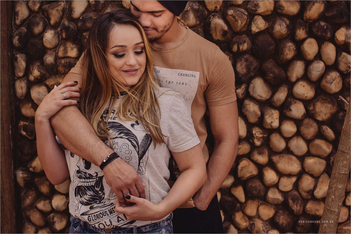 foto diferente de casal no mato grosso