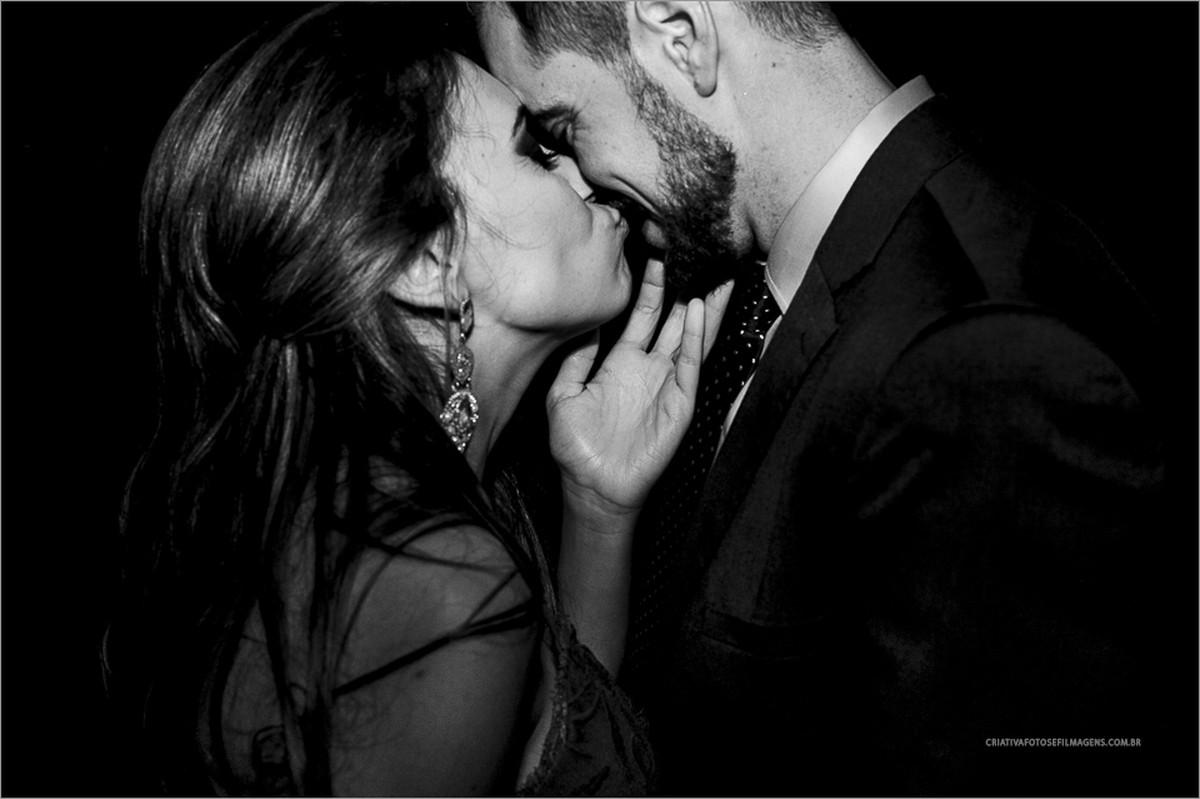 cristina-e-eduardo-casamento-visconte-d-Italia-nova-artz-casamento-de-dia-robison-kunz-fotos-diferentes-casamento-casamento-diferente-casamento-por-do-sol-casamento-externo-fotos-casamento-de-dia-noivos-na-piscina-casamento-rs