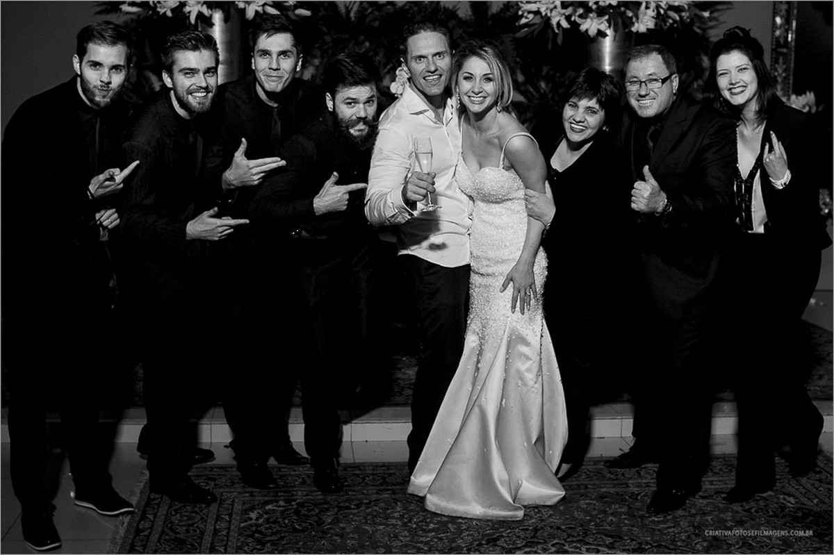 carolina-e-rodrigo-casamento-fotografia-casamento-fotografo-casamento-rs-casamento-nh-novo-hamburgo-sociedade-ginastica-novo-hamburgo-robison-kunz-noiva-linda-foto-casamento-nh-banda-duble-mc-jean-paul-criativa-fotos-e-filmagens