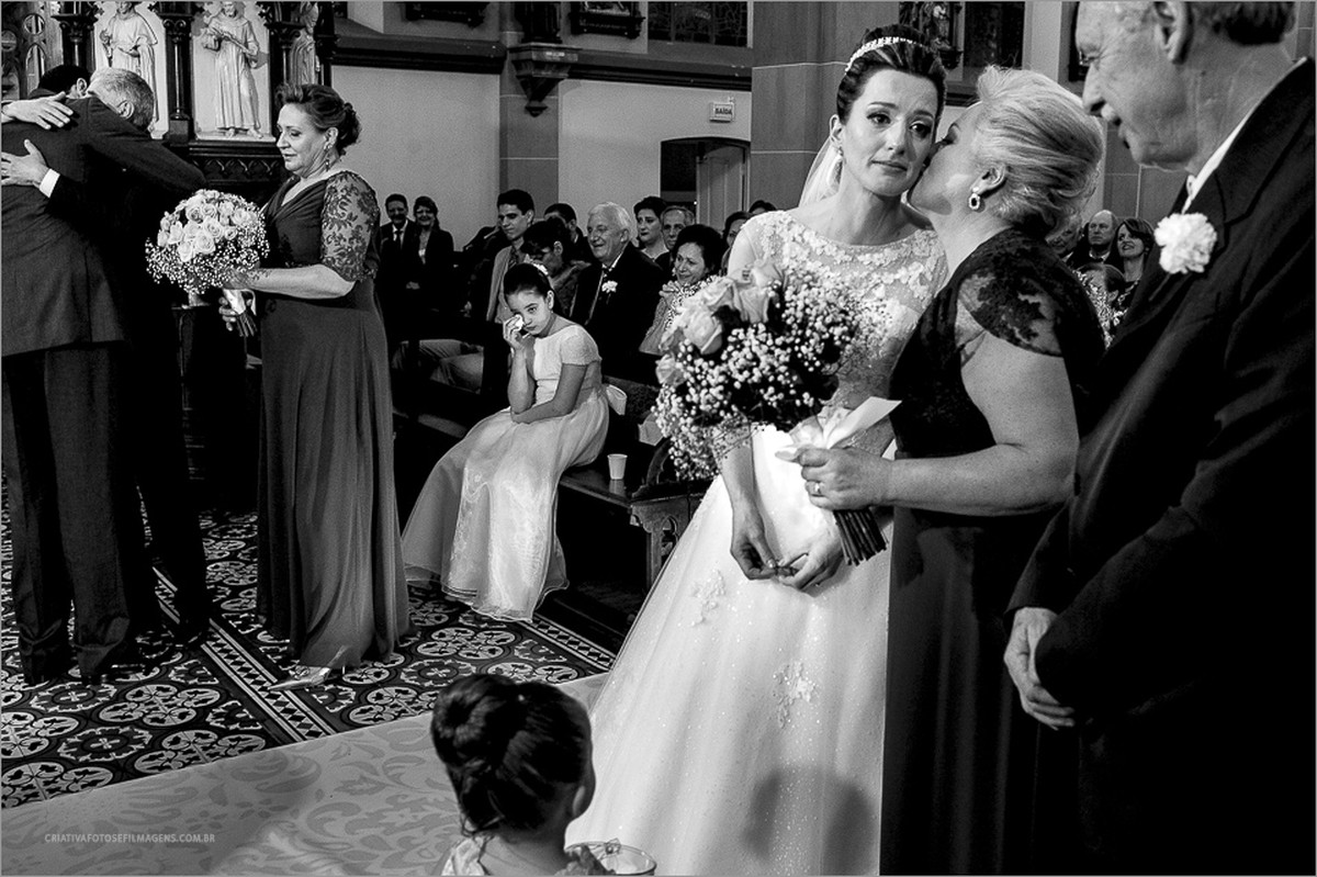 isabel-e-maiquel-casamento-lages-sc-casamento-lages-fotografo-casamento-robison-kunz-serra-gaucha-fotos-casamento-diferentes-fotos-emocionantes-casamento-fotografo-casamento-sc-casamento-em-sc-retratos-da-noiva-casamento-com-chuva