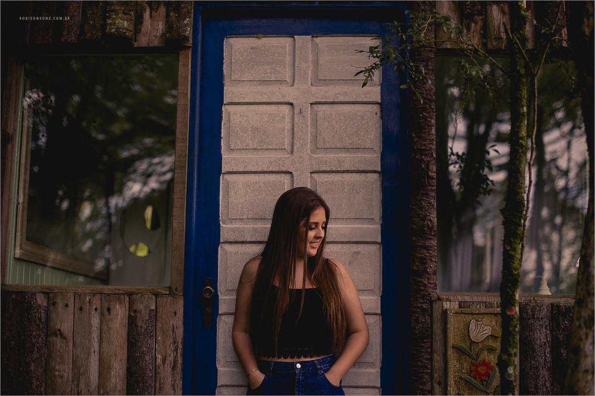 isabela bresciani sessão fotográfica de 15 anos - fotos 15 anos em gramado - serra gaucha - robison kunz fotografo - fotos diferentes de 15 anos - fotos 15 anos em gramado
