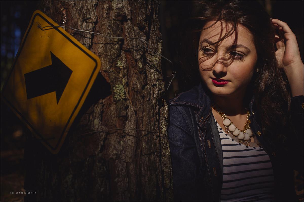 ensaio de 15 anos de menina com troller no passo do inferno em canela