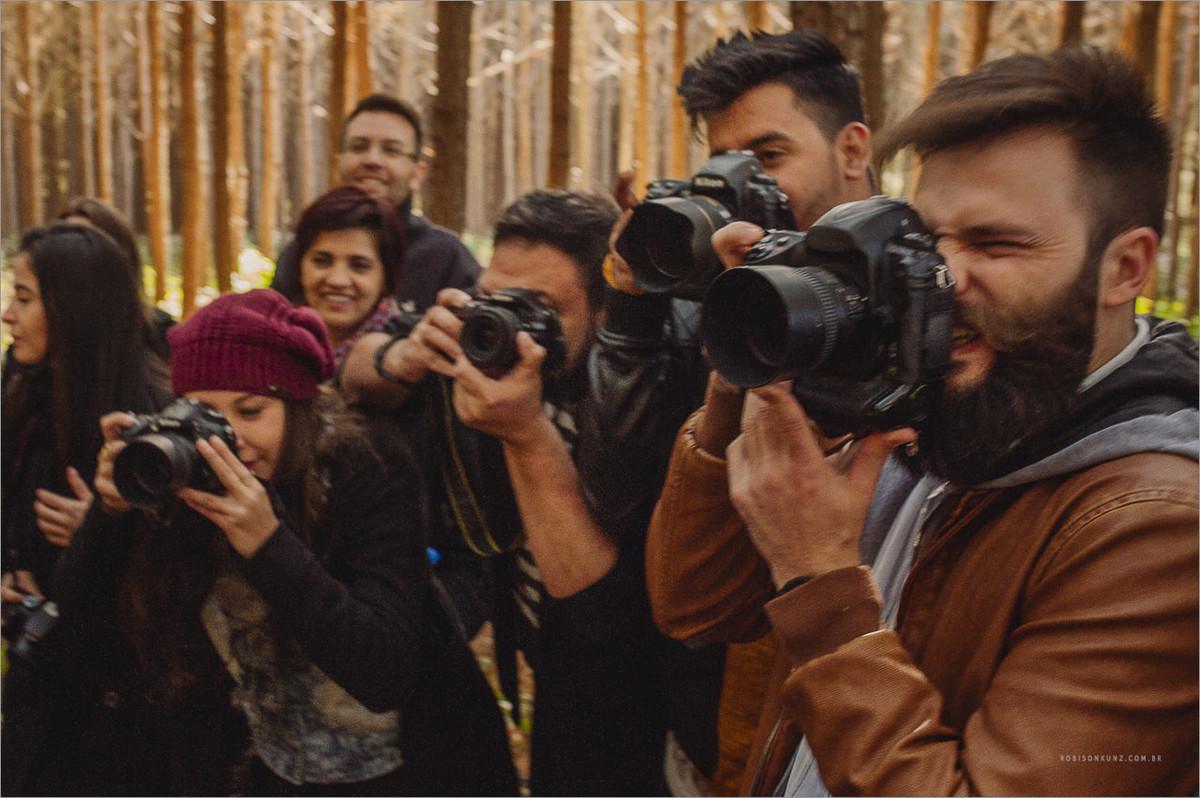 robison kunz fotografando durante seu curso o poder da autoria