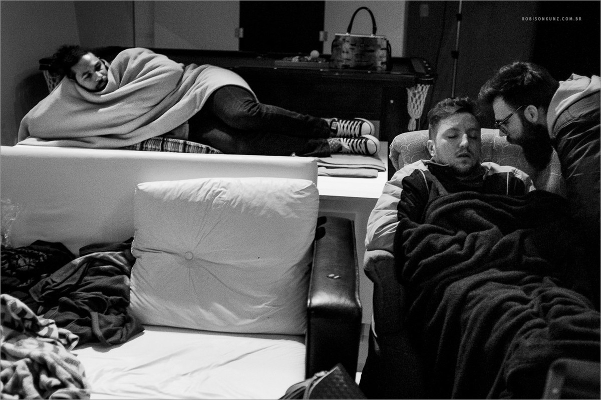 luan rambo dormindo durante curso de fotografia