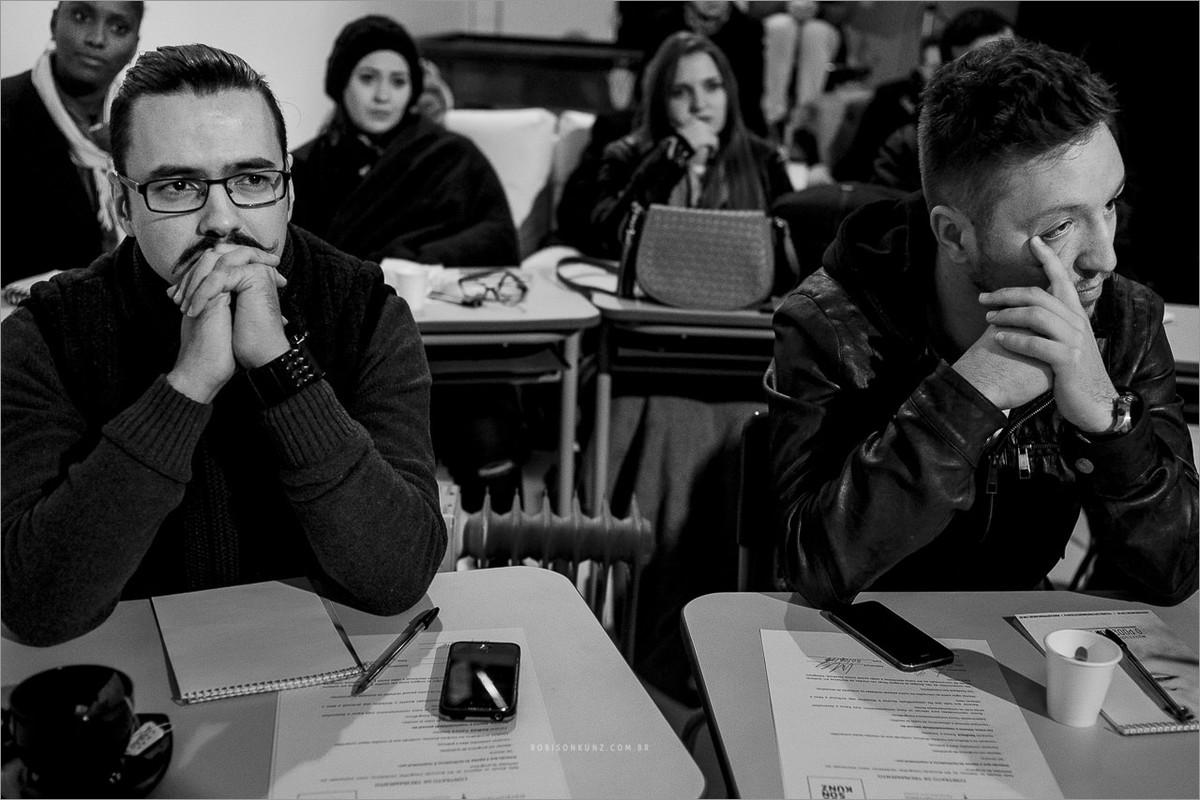 fotografos concentrados na palestra de Nei berrnardes