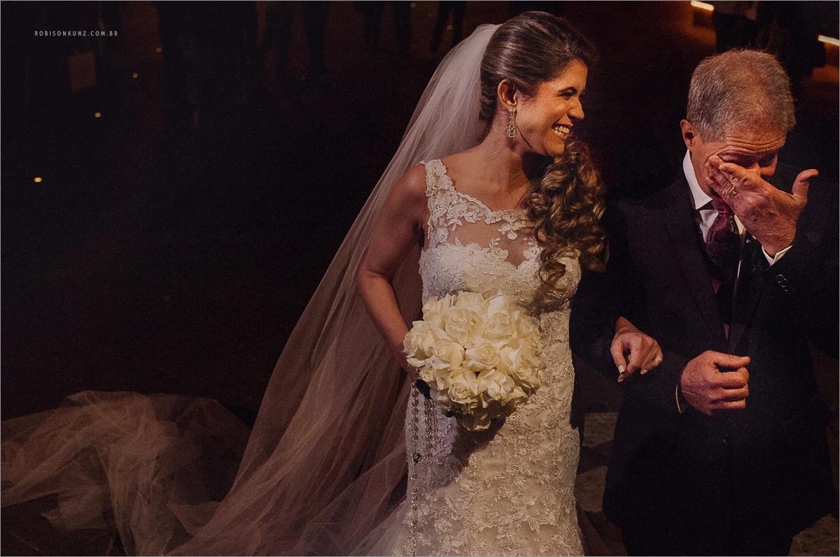 noiva e pai na entrada