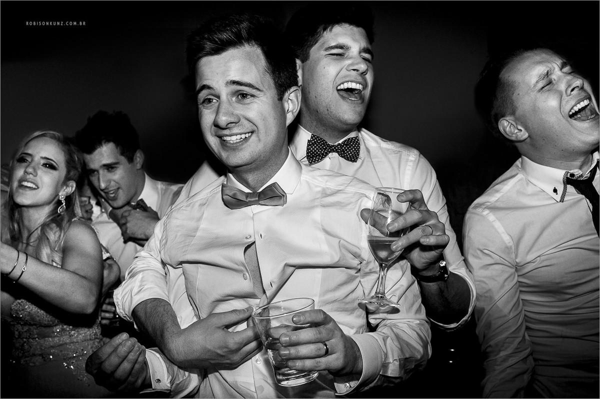 festa de casamento animada