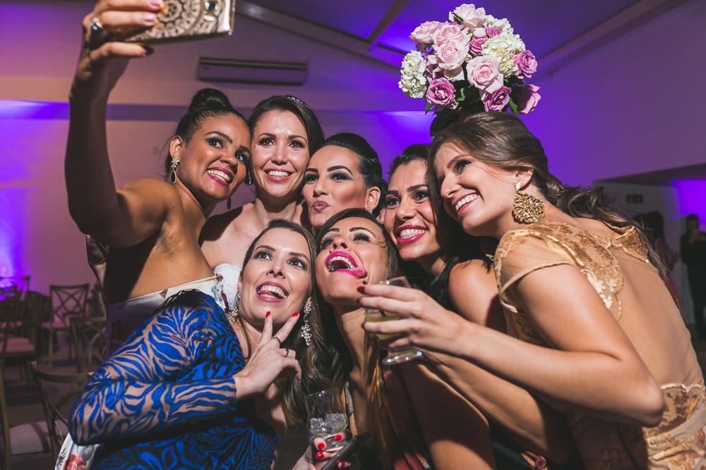 amigas e o bouquet