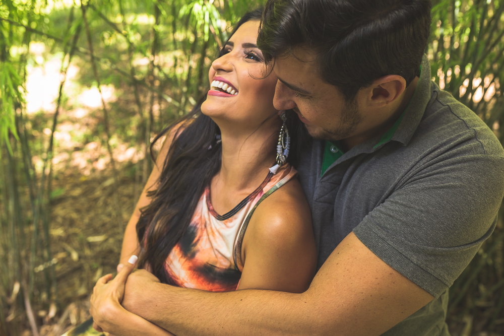 ensaio casal noiva sorrindo