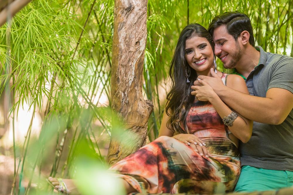ensaio casal noivos sorrindo