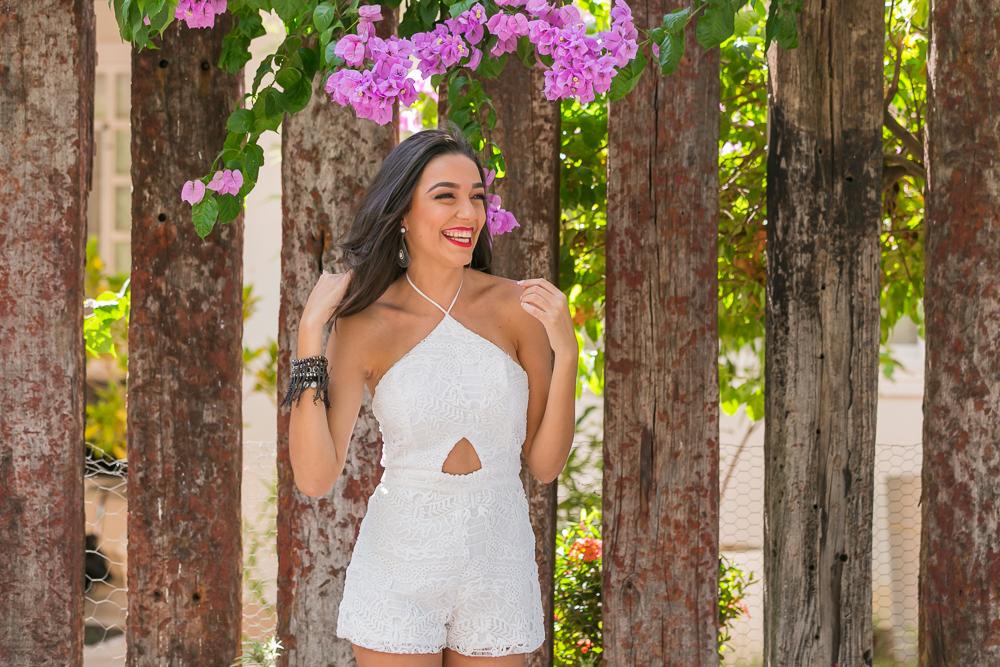 menina com flores na cerca fotos de familia book 15 anos Governador Valadares JoOsie Nader