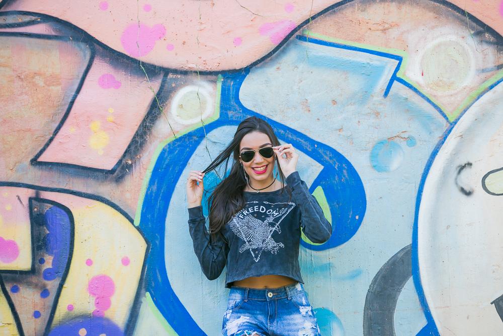 menina no muro pixado fotos de 15 anos book Governador Valadares