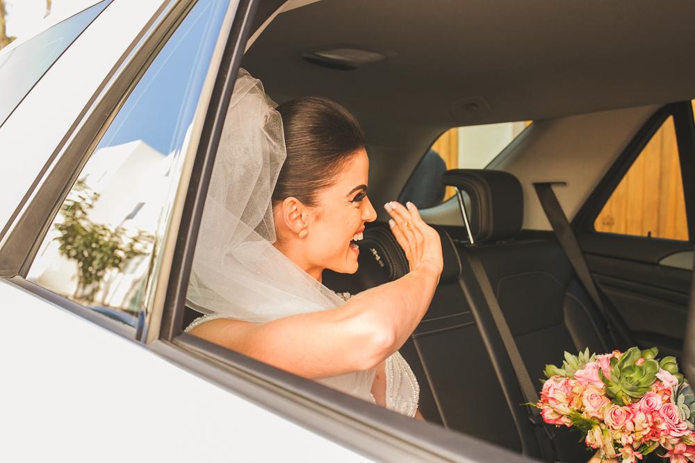 noiva no carro Fotos de casamento Governador Valadares Josie Nader