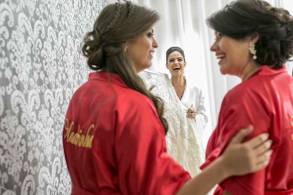 noiva sorrindo Fotos de casamento Governador Valadares Josie Nader