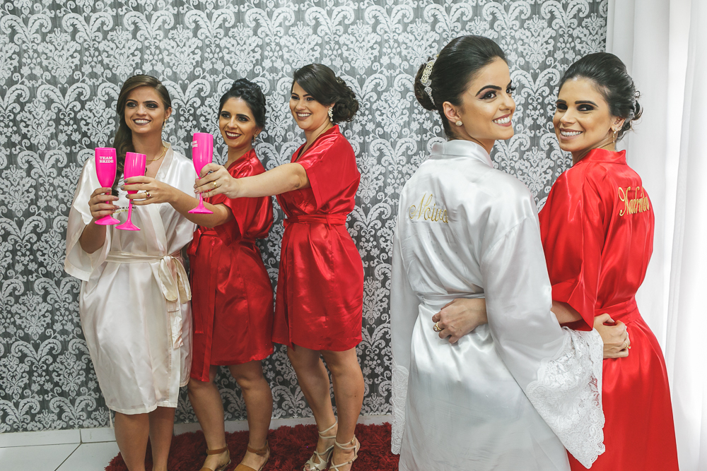 noiva fazendo pose Fotos de casamento Governador Valadares Josie Nader