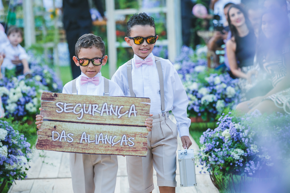 pajens entrando com aliança Fotos de casamento Governador Valadares Josie Nader