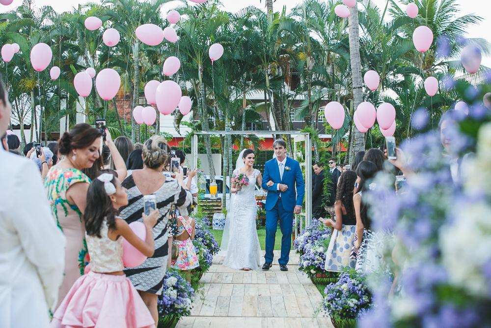 entrada da noiva Fotos de casamento Governador Valadares Josie Nader