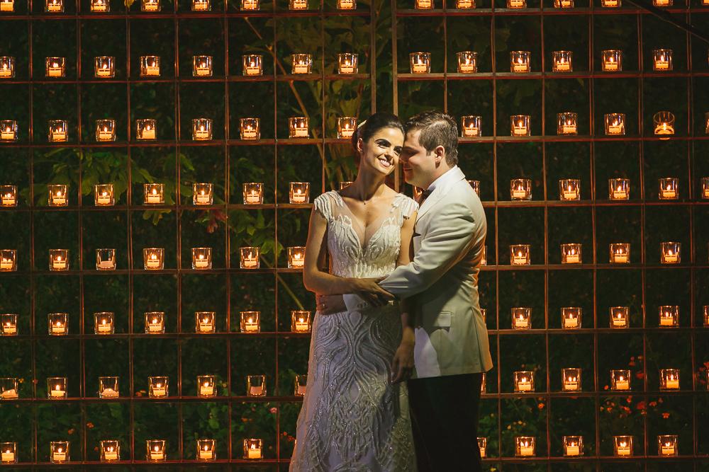 noivo  abraçando a noivo Fotos de casamento Governador Valadares Josie Nader
