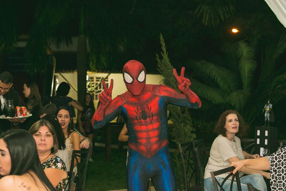 homem aranha na festa de aniversário fotos de familia Josie Nader Governador Valadares
