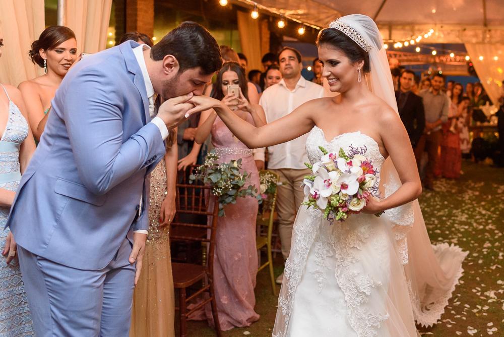 Nivo recebendo a noiva na cerimonia, Josie Nader fotografia
