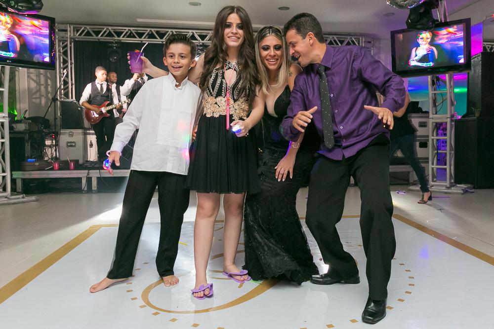 aniversario 15 anos, fotografia de familia, Josie Nader fotografia, aniversario 15 anos, debut, Governador Valadares, abrindo pista de dança
