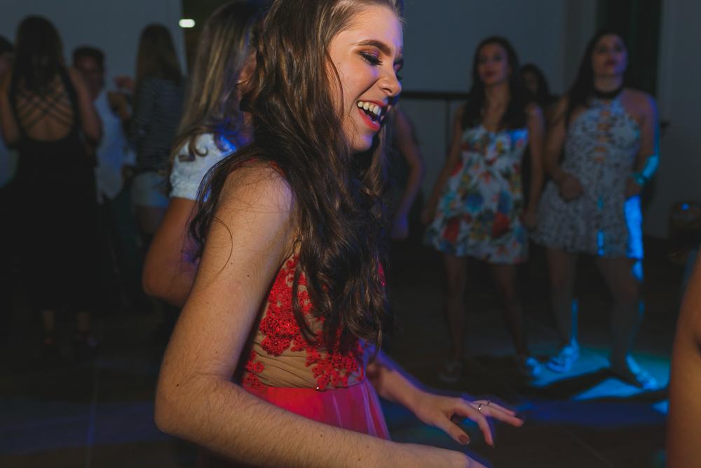 dançando, fotografia de familia, desta de 15 anos, debut, decoração, Josie NAder fotografia, Governador Valadares