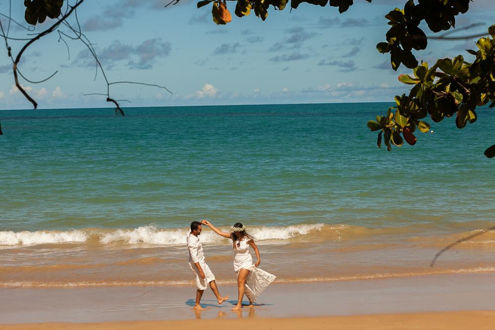 Josie Nader fotografia, Governador Valadares, fotografia de casamento, ensaio casal, ensaio externos, noivos na praia dançandoa