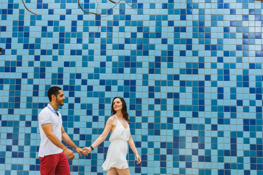 noivos caminhando, Josie Nader fotografias, Governador Valadares , pre casamento