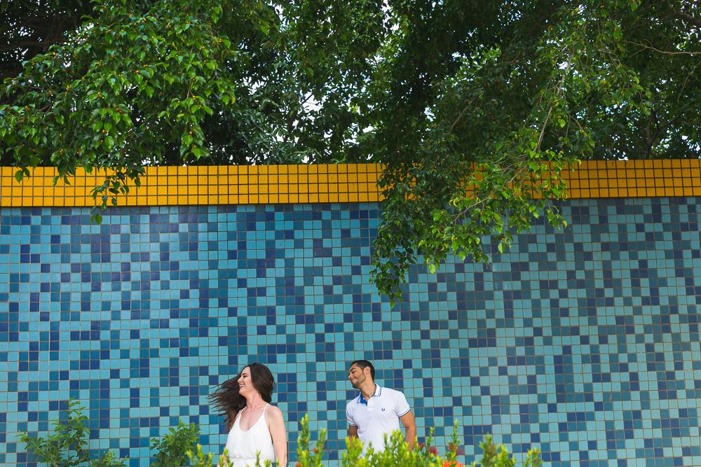 noiva fazendo charme para o noivo , Josie Nader fotografias, Governador Valadares , pre casamento