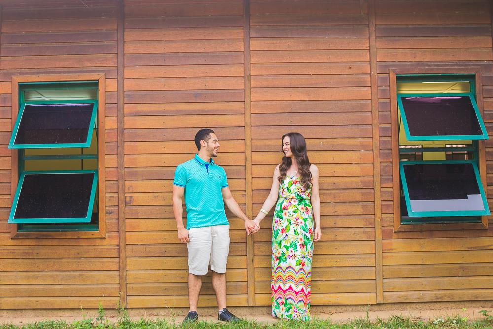 noivos olhando um para o outro , Josie Nader fotografias, Governador Valadares , pre casamento