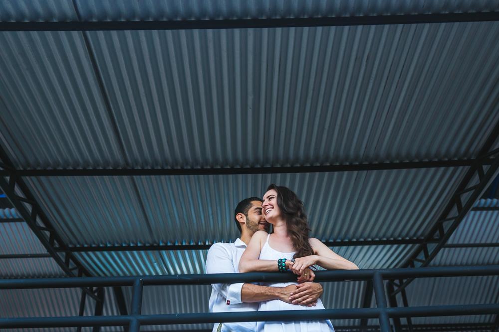 noivos na parte superior do corredor , Josie Nader fotografias, Governador Valadares , pre casamento