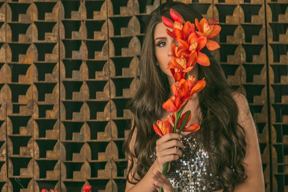 book 15 anos, ensaio fotografico, Governador Valadares , flor, moça menina