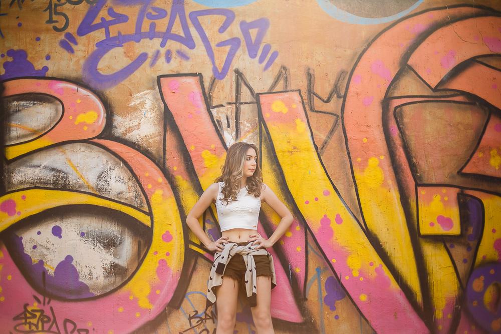 muro pichado , ensaio 15 anos, menina no  muro, esanio fotografcio, Josie Nader, Governador Valadares