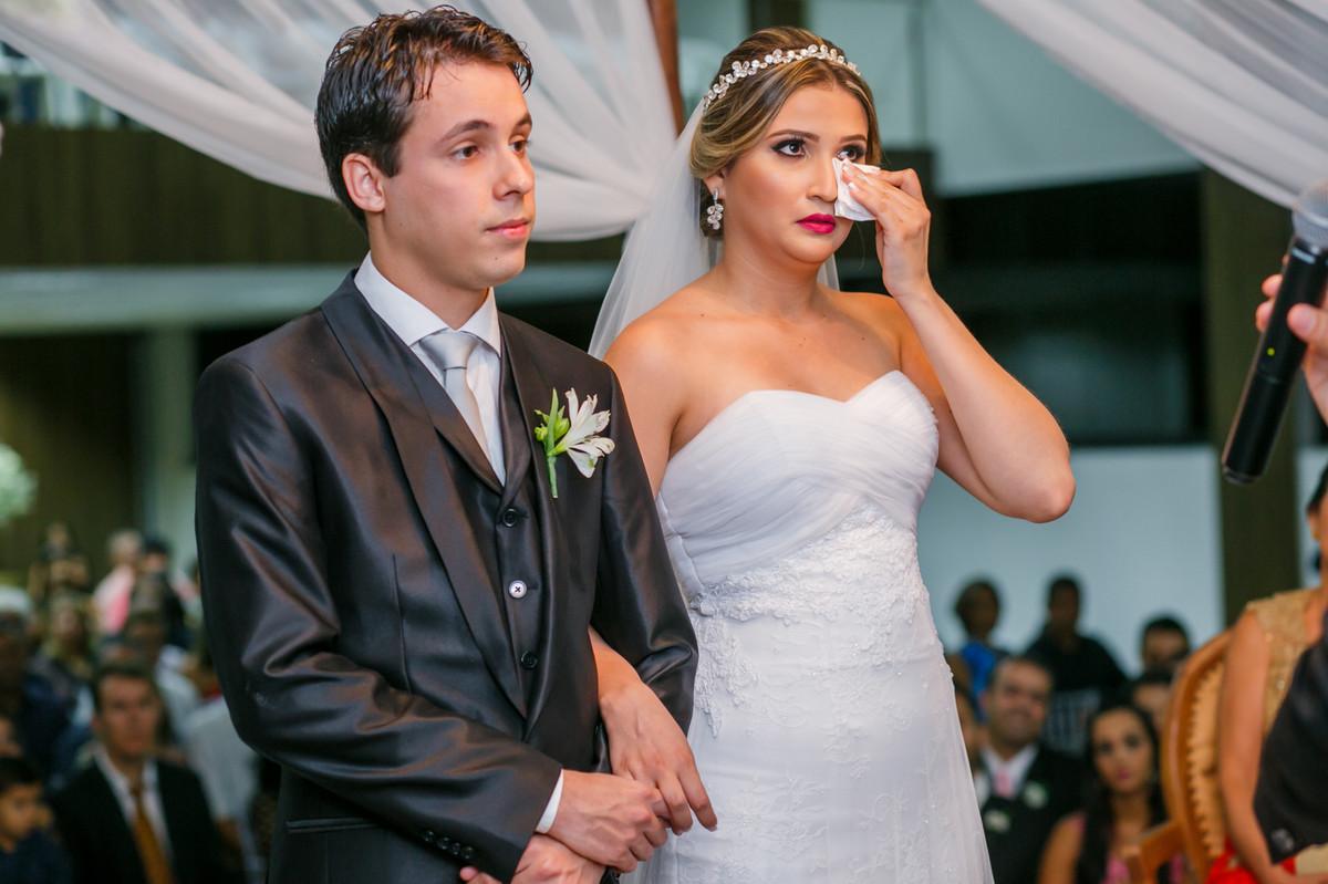 noiva chorando, Governador Valadares, Josie Nader, Governador Valadares