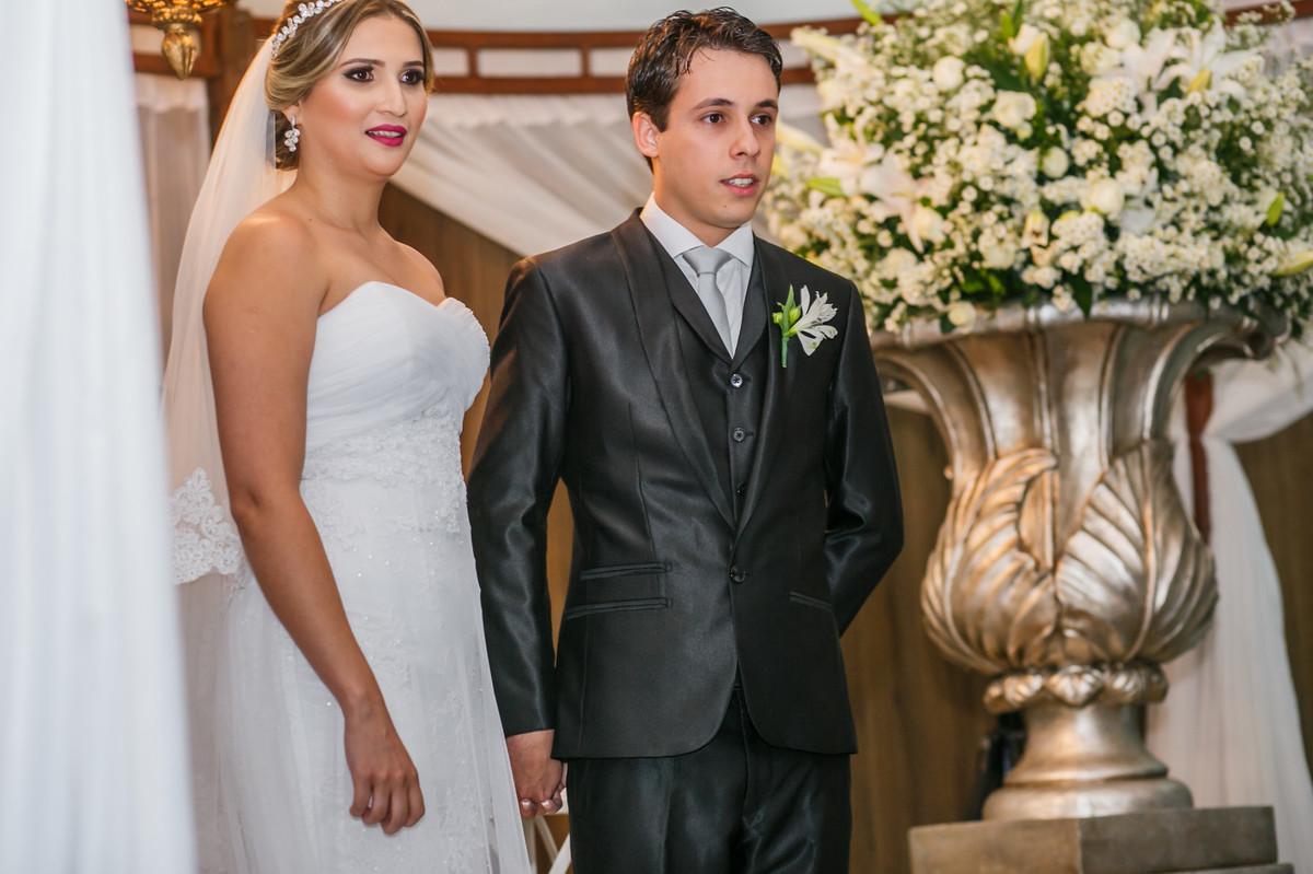 noivos no altar, Josie nader fotografia, Governador Valadares