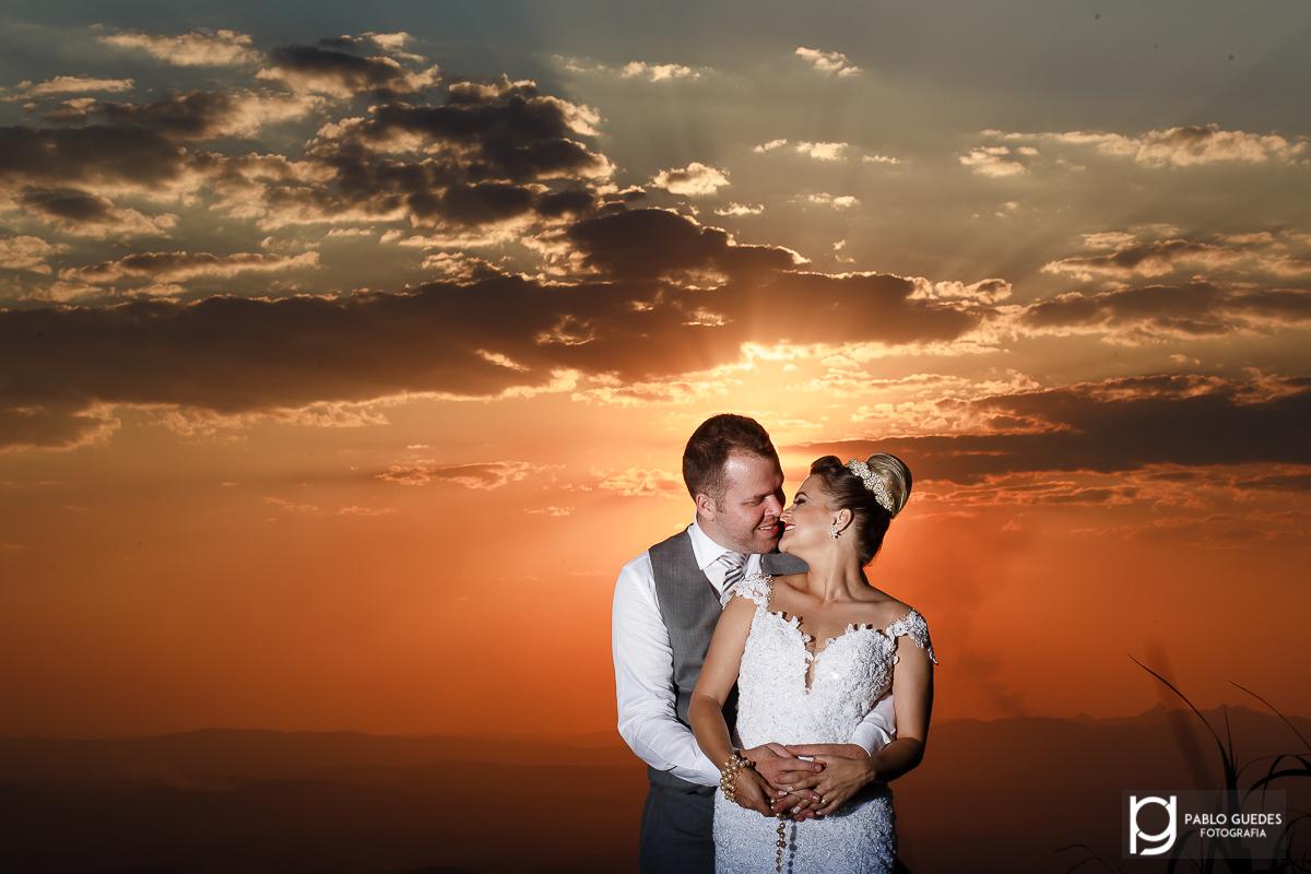 foto pablo guedes lindo por do sol com os noivos