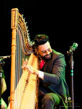 Apresentações de Concerto de Harpa Paraguaia em Teatro Adamastor