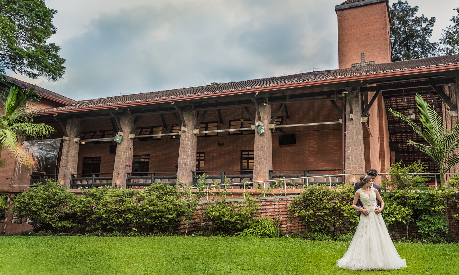 Ensaio Casal de Sessão Fotográfica Pós Casamento em Catedral Anglicana - SP